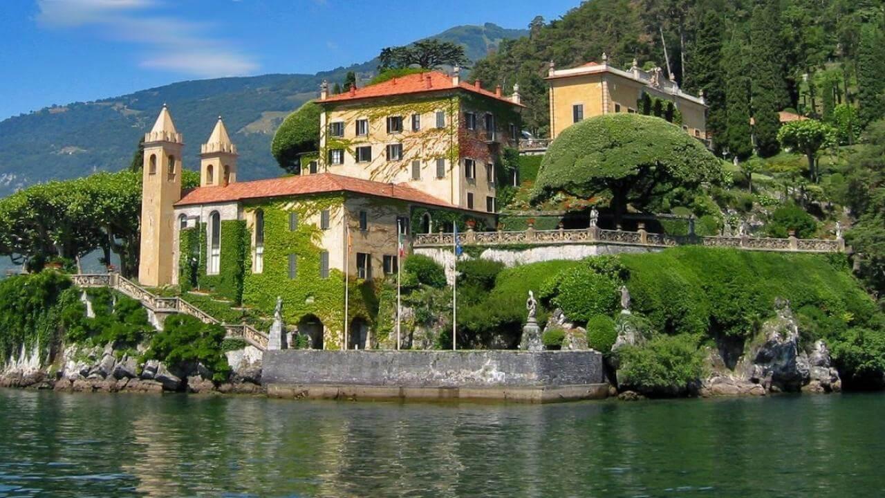 Eli Burton and My Tesla Adventure visits The Lake House on Naboo aka Villa del Baldianello
